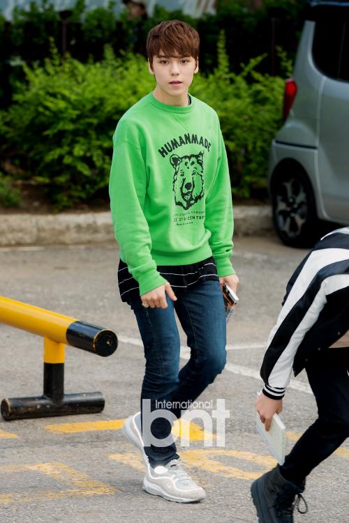 [PRESS] 160513 Seventeen heading to KBS Music Bank Rehearsal #세븐틴 #예쁘다 (54)