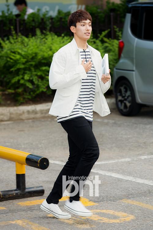 [PRESS] 160513 Seventeen heading to KBS Music Bank Rehearsal #세븐틴 #예쁘다 (55)