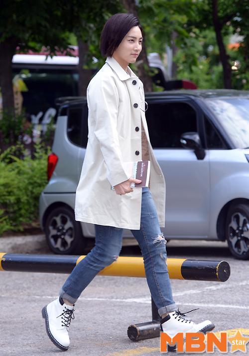 [PRESS] 160513 Seventeen heading to KBS Music Bank Rehearsal #세븐틴 #예쁘다 (58)