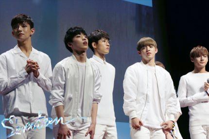 [스타캐스트] 세븐틴 예쁘다 활동 비하인드 사진 공개 #SEVENTEEN 23