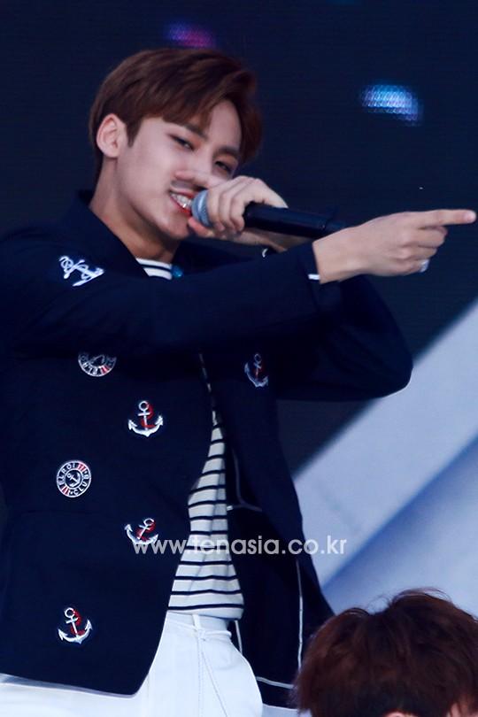 [PRESS] 160603 SEVENTEEN at 2016 Dream Concert (Red Carpet + Stage Photos) #세븐틴 #SEVENTEEN (30)