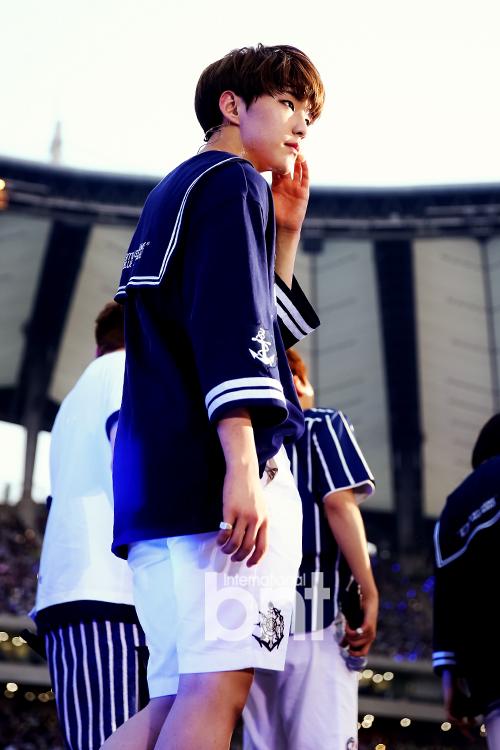 [PRESS] 160603 SEVENTEEN at 2016 Dream Concert (Red Carpet + Stage Photos) #세븐틴 #SEVENTEEN (42)